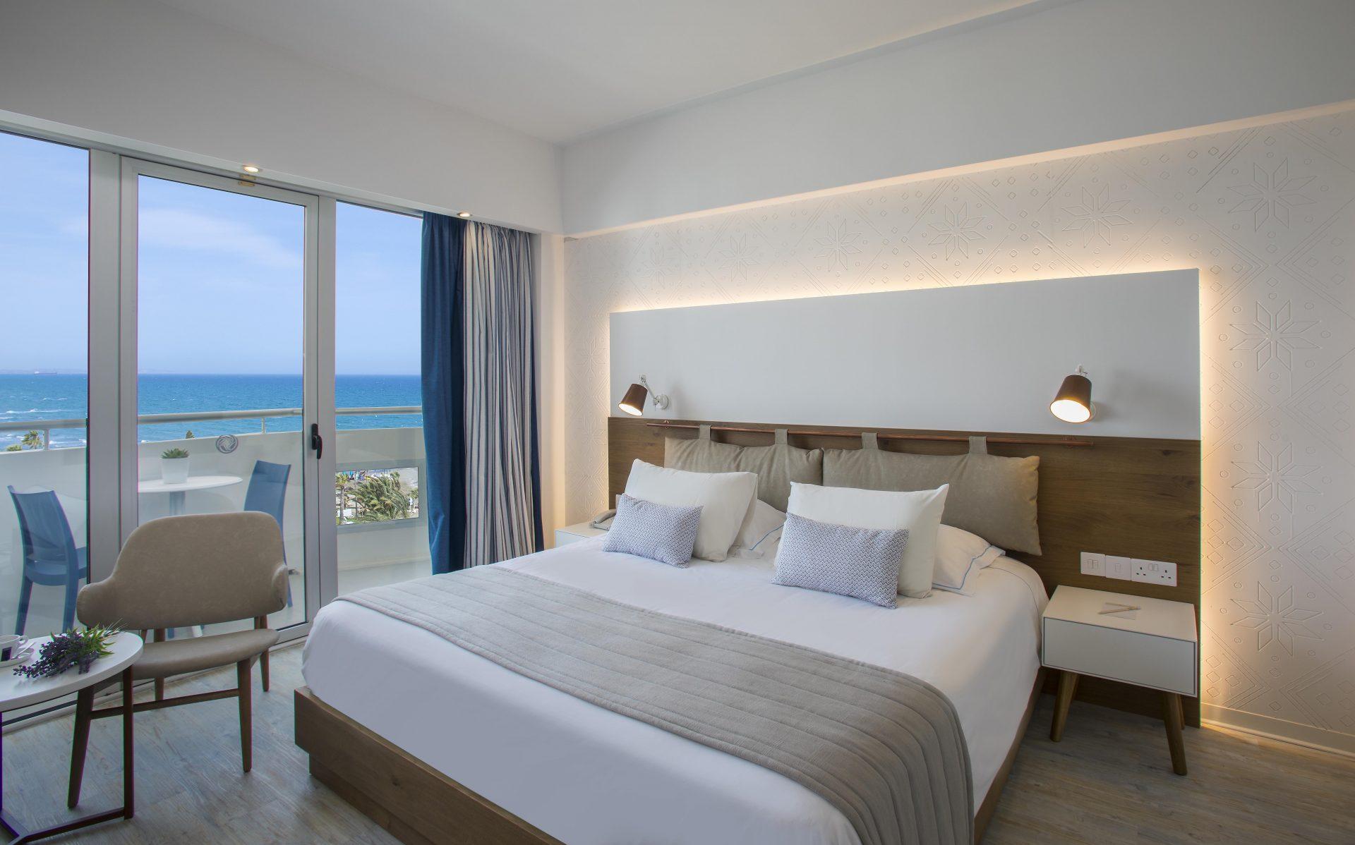 Premium Superior Side Sea View Room