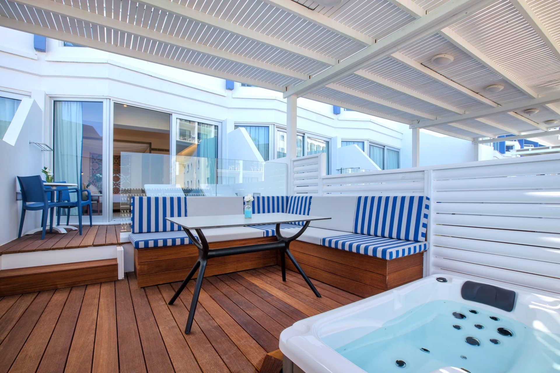 Junior Suite Sea View with Private Jacuzzi